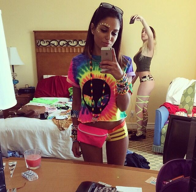 Cute rave outfits from ig