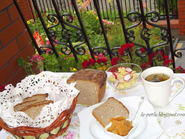 Le Parle Na Obcasach: Chleb rosyjski z ziarnami dyni
