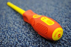 Helpful Electrical Tools for DIYers - Electrcian's Screwdriver
