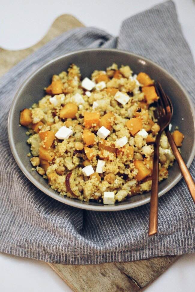 Couscous met pompoen, kikkererwten en witte kaas
