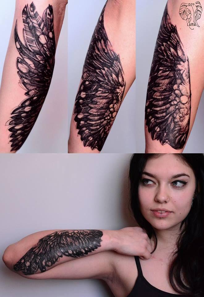 Redberry Tattoo Studio Wrocław #tattoo #inked #ink #studio #wroclaw #warszawa #tatuaz #dresden #redberry #katowice #amazingtattoo #dzolama #redberrytattoostudio #amaizingtattoo #poland #berlin #sketch #delicate #skrzydlo #wing