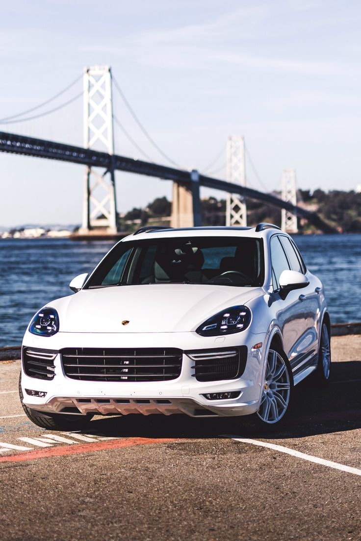 Best 25 porche cayenne ideas on pinterest porche car for Garage porsche caen