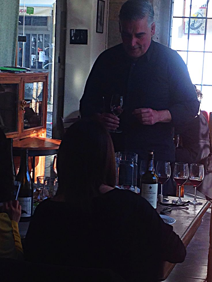 Wine tasting session/class with a oenologist. #lazyflavors #winetasting