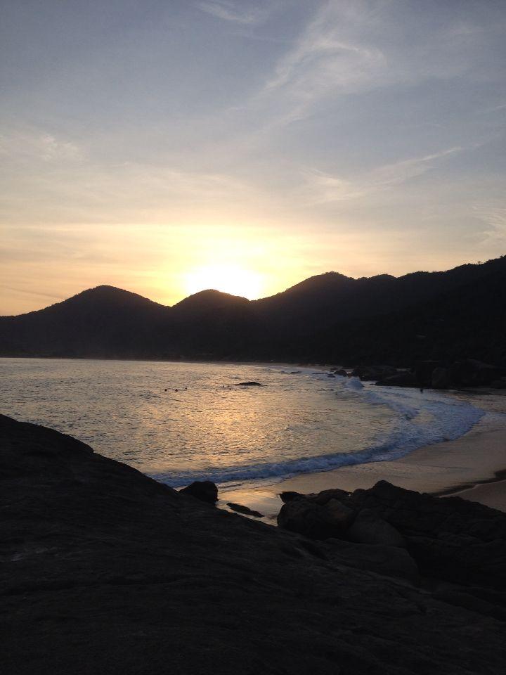 Pôr do sol em Trindade/RJ