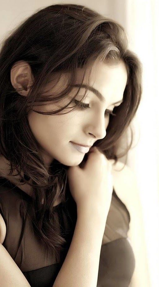 Andrea Jeremiah‬ Hot Photo Shoot Images - Cinema Aajtak