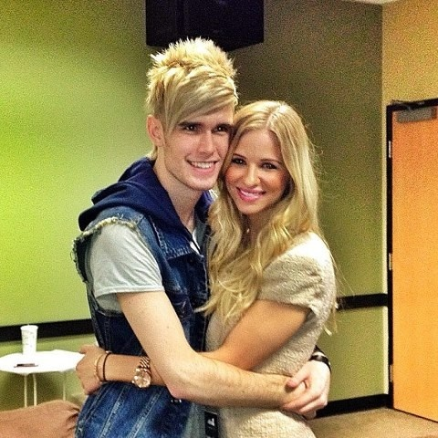 is colton dixon dating skylar laine Laine, however, was eliminated on may 3, 2012, finishing in 5th place personal life edit after they had performed the kenny rogers-dolly parton hit song islands in the stream, rumors surfaced about a possible romance between laine and fellow contestant colton dixon laine denied it, saying at the time that she had a boyfriend.