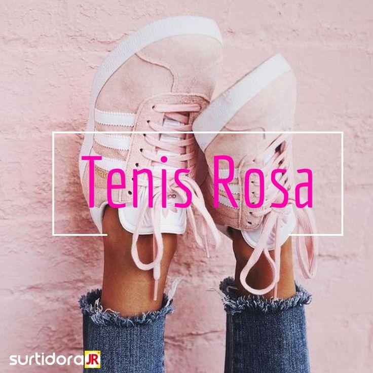 ¡Tenis Rosas! El calzado deportivo se ha convertido en un indispensable en tu armario, y se ponen como centro de atención de tu look ¿Cuál es tu outfit favorito con tenis!