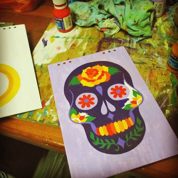 Procesos.  .  .  #gatosania #artinprogres #libretaspersonalizadas #agendaspintadas #pinturaalacrilico #agendacalvera #skullbook #calicolombia #artecali