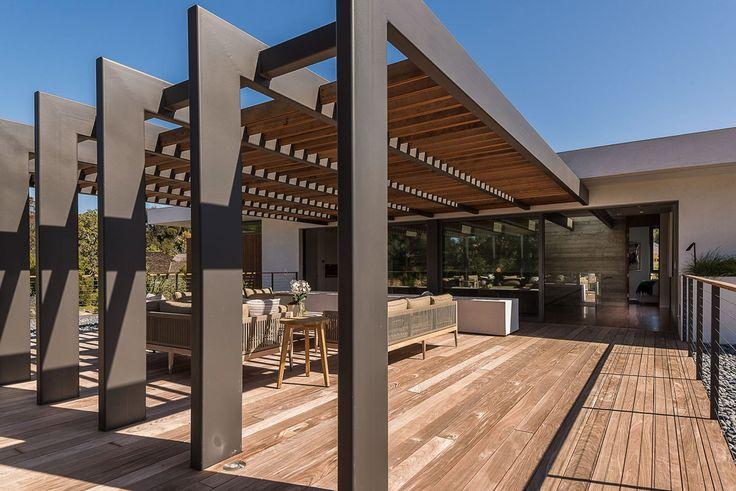 Diese Immobilie ermöglicht seinen Besitzern sprichwörtlich das Wohnen im Paradies: Modernes Design und elegantes Interieur im sonnigen Kalifornien.