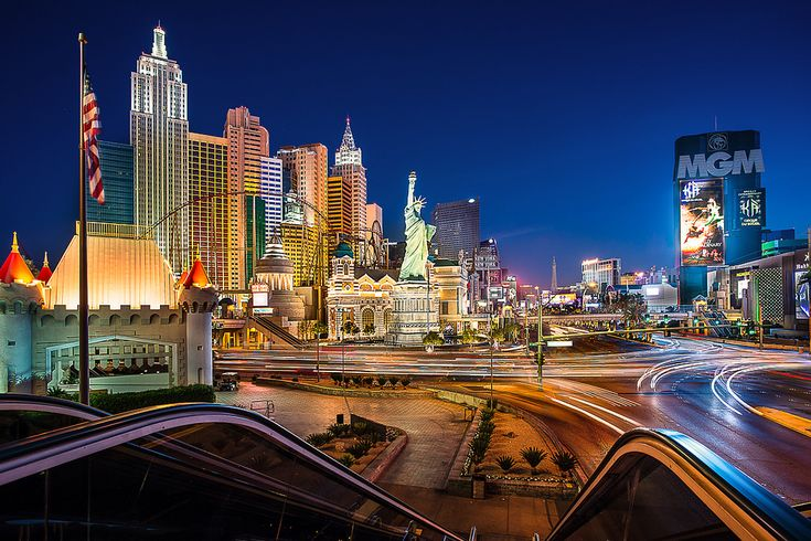 https://flic.kr/p/pCyyRs | Las Vegas Strip! | © 2014 James Duckworth Photography - All Rights Reserved - Please do not download and use this image without written permission. It is protected by copyright.