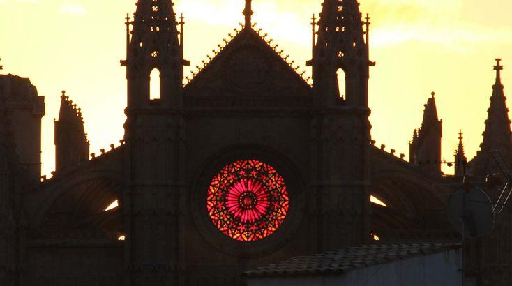 Luz y matemáticas en el solsticio de invierno en la catedral de Mallorca
