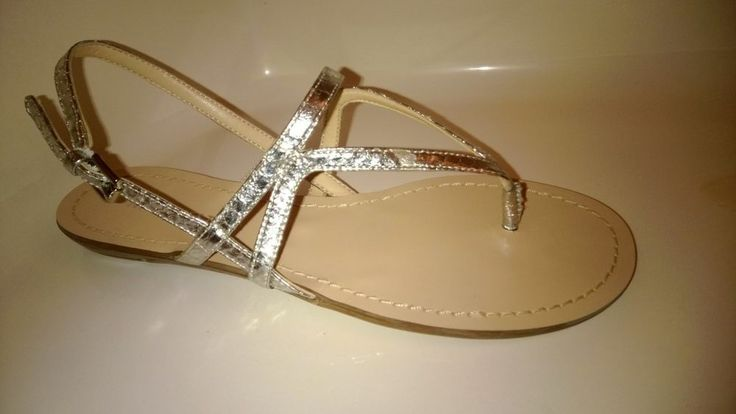 NINE WEST SILVER STRAPPY SANDALS 6M