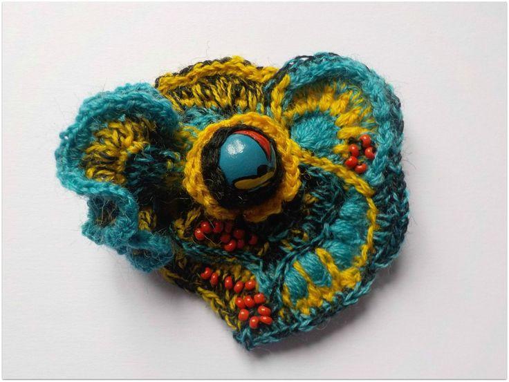 Une perle, une broche : crochet freeform