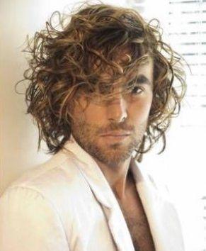 peinados de moda pelo largo para hombres
