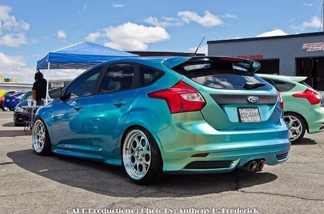 Awesome turquoise Ford Focus ST 3 !!!