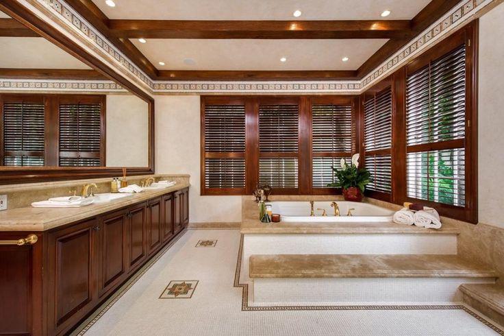 Jodie Foster vend sa villa hollywoodienne pour $5,75 millions. Ici la prestigieuse salle de bain.