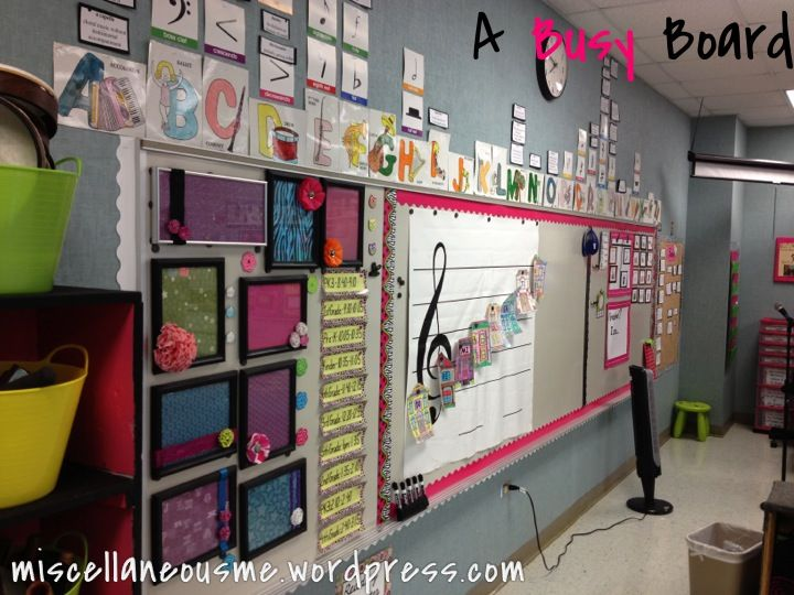 Great blog for music teachers - tons of decorating ideas for the music classroom