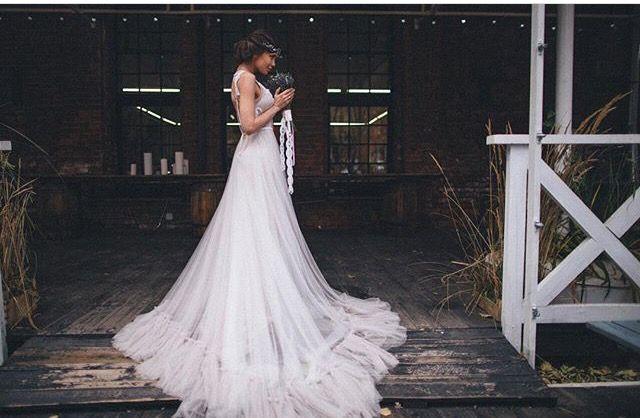 Piękna Panna młoda😍w naszej zjawiskowej sukni AGNEZ🌿 z kolekcji weddingbloom od RARAAVIS🌿  #RARAAVIS #weddigbloom #agnez #suknie #sukienka #suknieboho #suknieslubne #sukniaslubna #wedding #weddingday #weddingcake #weddingdress #dressplease #dress #love #forever #details #gifts #polishgirl #polskadziewczyna #pannamloda #bohostyle #bohowedding #followme #followers #followforlike #trojmiasto #gdansk #poland #polishgirl #polskadziewczyna