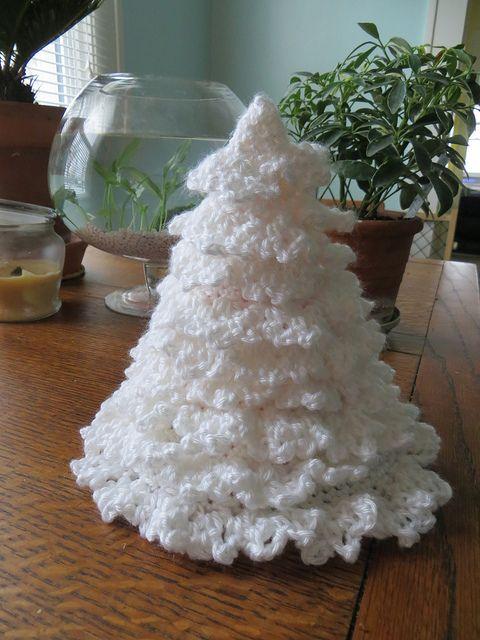 Crochet christmas Trees by knittingdragonflies, via Flickr