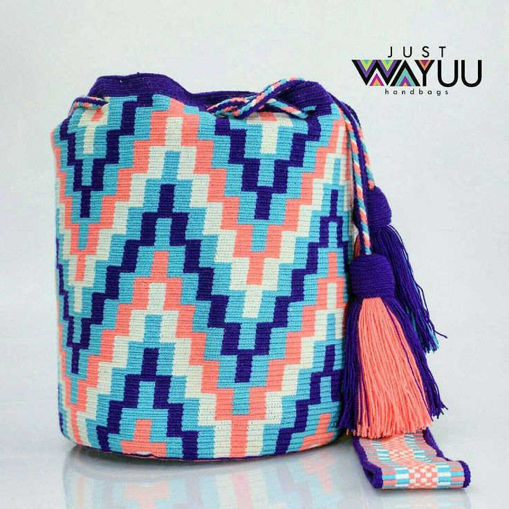 252 отметок «Нравится», 12 комментариев — Just Wayuu (@just.wayuu) в Instagram: «Handcrafted handbags made by indigenous wayuu in the north of Colombia. Worldwide shipping – envíos…»