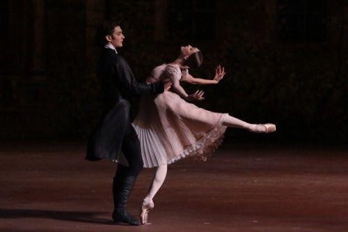Een bezoek aan het betoverende ballet 'Onegin' | van Poesjkin tot Pasternak