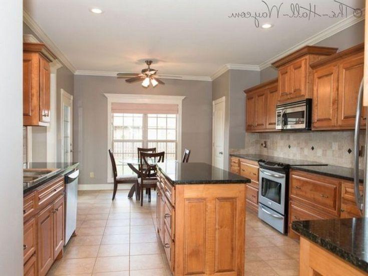35 Beautiful Kitchen Paint Colors Ideas With Oak Cabinet Page 24 Of 37 Maple Kitchen Cabinets Kitchen Paint Kitchen Colors