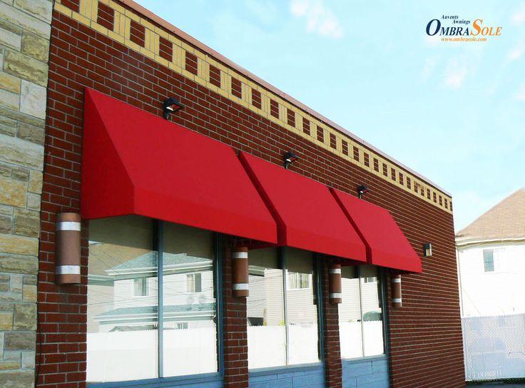Le rouge Delicia. Nos préférés entre les auvents pour fenêtre des espaces commerciaux.