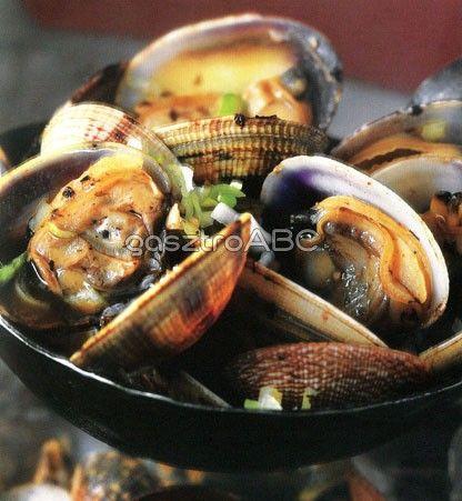 Kagyló feketebabmártással | Receptek