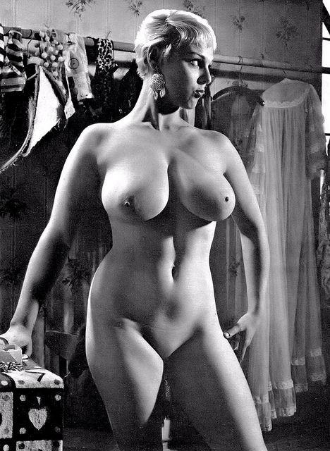 Nude Bild rosa Spion Teen