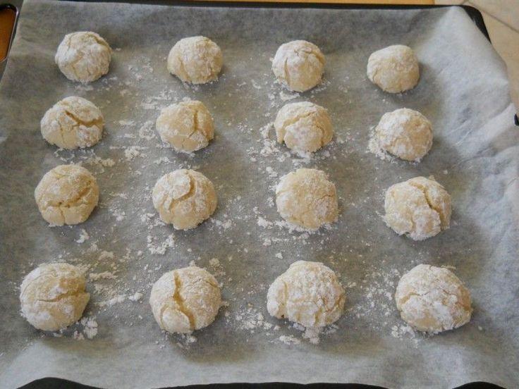 Amaretti, soft italian cookies