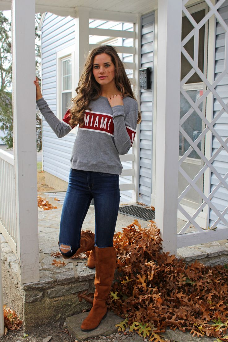 Looking for the perfect gift? This light, long sleeve crew is great for transitioning from season to season. Get it from the Miami University Bookstore!