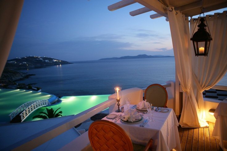 Enjoy a romantic dinner under the stars* watching the spectacular sunset...a heaven on earth!!