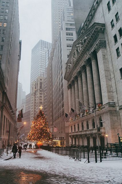 New York Stock Exchange Holiday Tree in the Snow - - | Flickr - Photo Sharing!