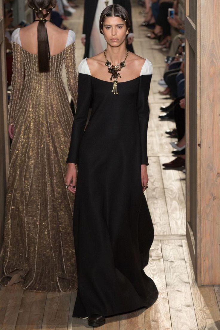 Великолепная «готическая» коллекция Valentino haute-couture осень-зима 2016-2017. Часть 2 - ЯМ