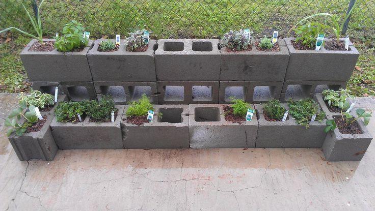 Best 25 cinder block walls ideas on pinterest cinder - Painting cinder blocks for garden ...