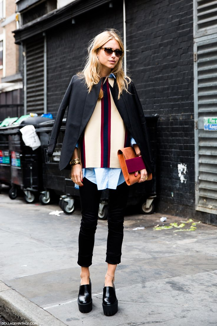 STREETSTYLES // Anine Bing in such a great streetstyle #fashion #fashionblogger #plateaushoes #blackpants #blueblouse #stripedsweater #statementbag #blackblazer