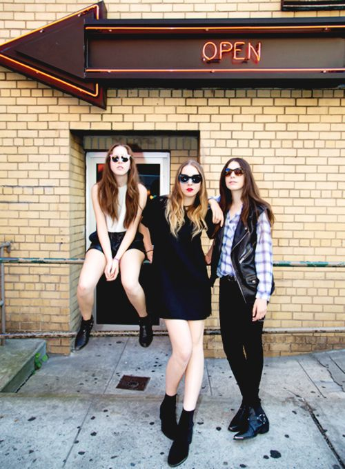 17 Best Images About Style Icon Haim On Pinterest Girls Coachella And Girl Bands