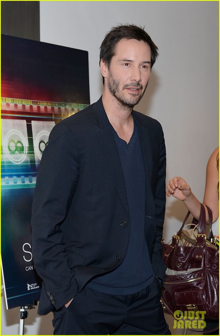 Keanu is everyone keanu reeves pictures - Keanu Reeves Side By Side Premiere