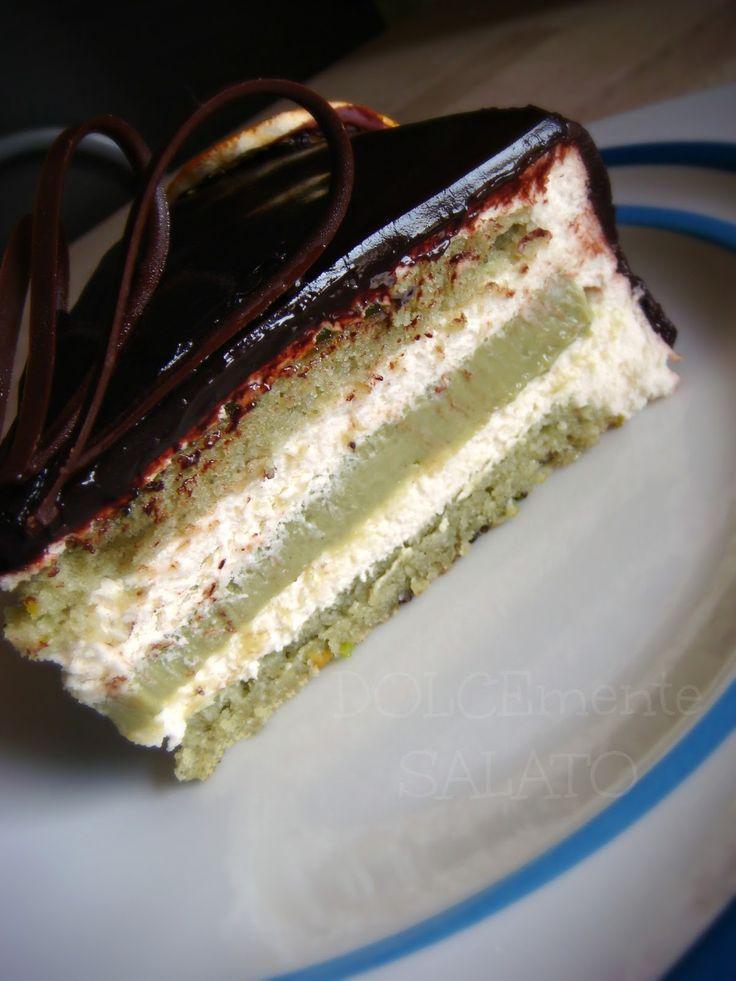 E' una delle mie torte di Montersino preferite, è l'essenza del dolce invernale, calorico, godurioso, avvolgente. E' una torta davvero...