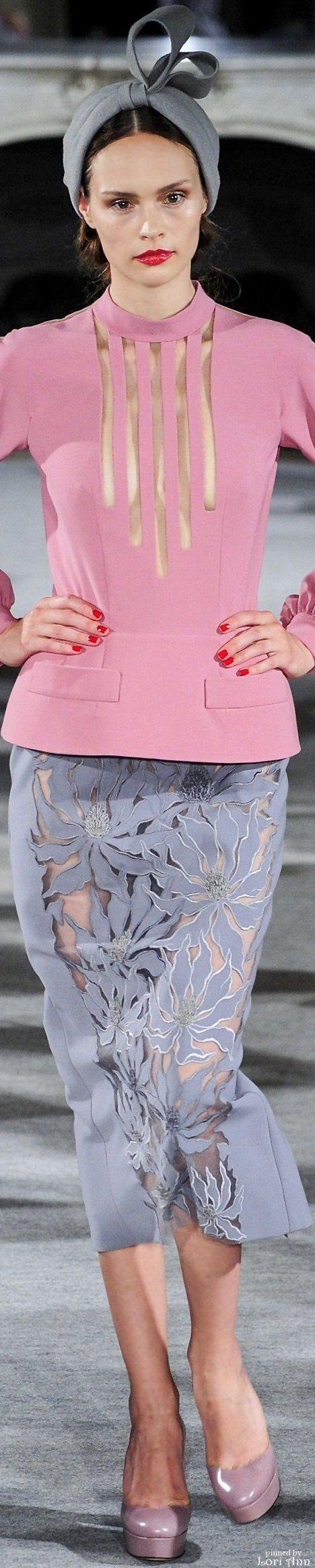 Yulia Yanina Couture Fall 2015 https://www.pinterest.com/mystichue/fashion-addiction/