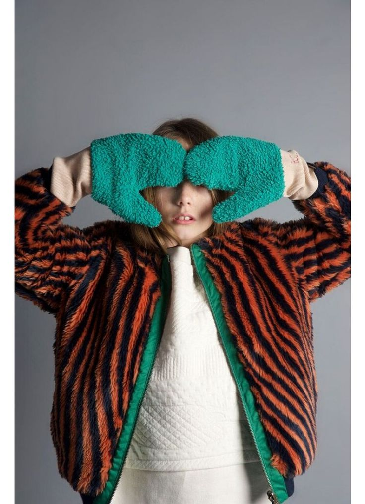 Kid Mitten Gloves + Hypnotized Faux Fur Jacket - Bobo Choses