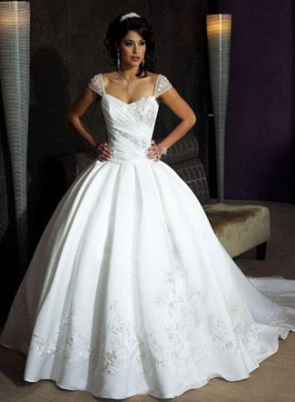 An amazing ballgown with lace cap sleeves!