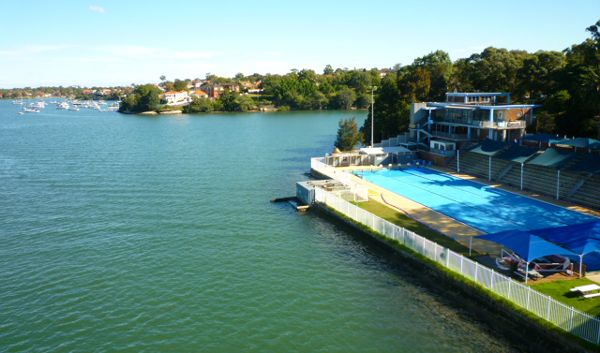 Drummoyne swimming pool on the edge of Iron Cove in #Sydney. On the Bay Run, a great harbourside walking trail