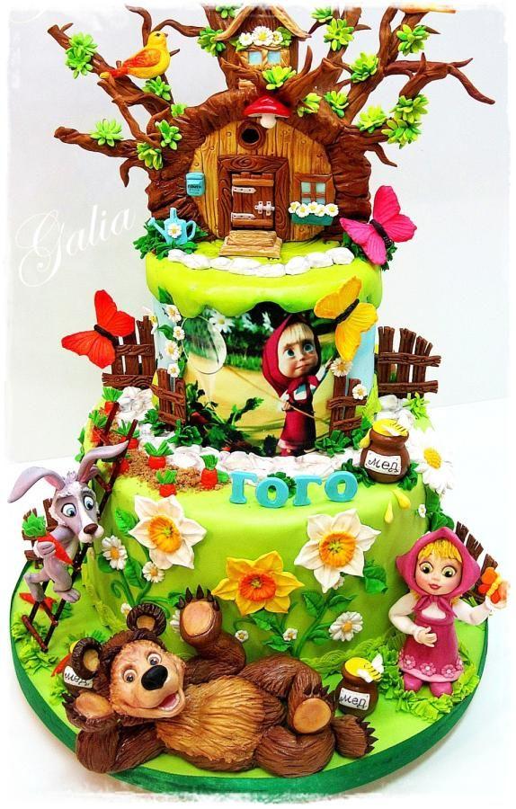 EDITOR'S CHOICE (02/03/2014) Gold and pink flourish by Galia Hristova View details here: http://cakesdecor.com/cakes/111592-masha-and-the-bear