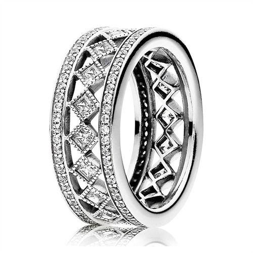Ring Pandora mit Zirkonia im Karo-Design 191007CZ https://www.thejewellershop.com/ #pandora #ring #silber #zirkonia #jewelry #karomuster #schmuck