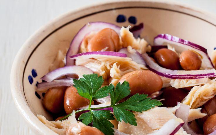 Insalata di fagioli, cipolla e tonno