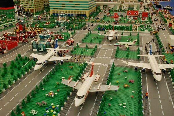 Lego City Airport                                                       …