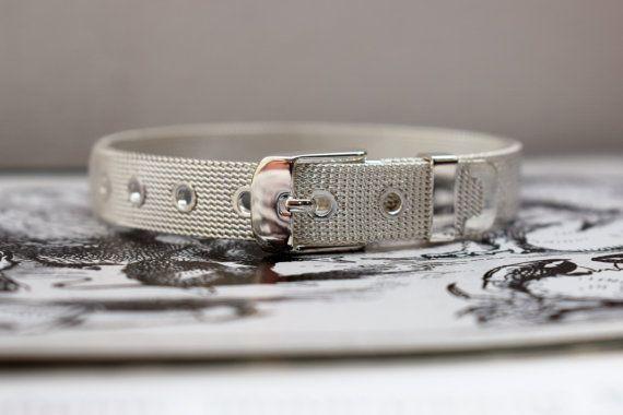 20% OFF XMAS SALE Vintage Silver Cuff by PrettyDifferentShop