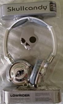 Gorgeous Gray Color Skullcandy Lowrider Headphones NEW    http://yardsellr.com/for_sale#!/gorgeous-gray-color-skullcandy-lowrider-headphones-new-2476979