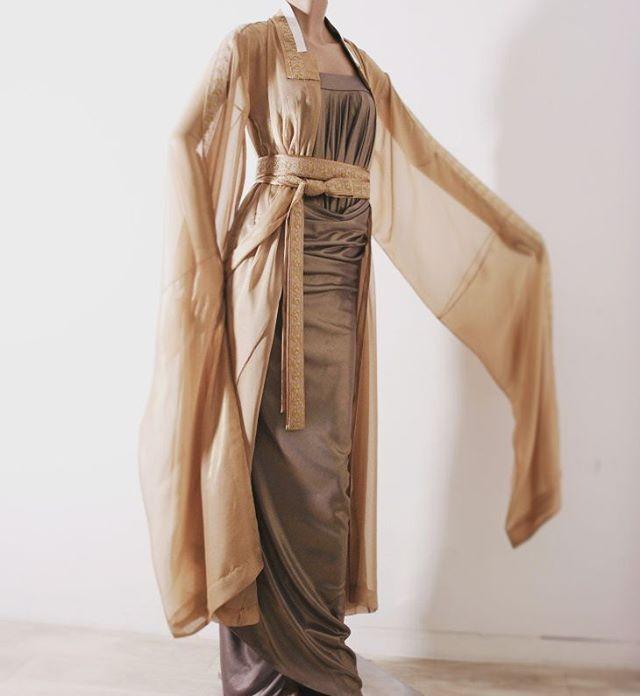 #yeoback #modernhanbok #contemporaryhanbok #hanbokart #couture #couturedress